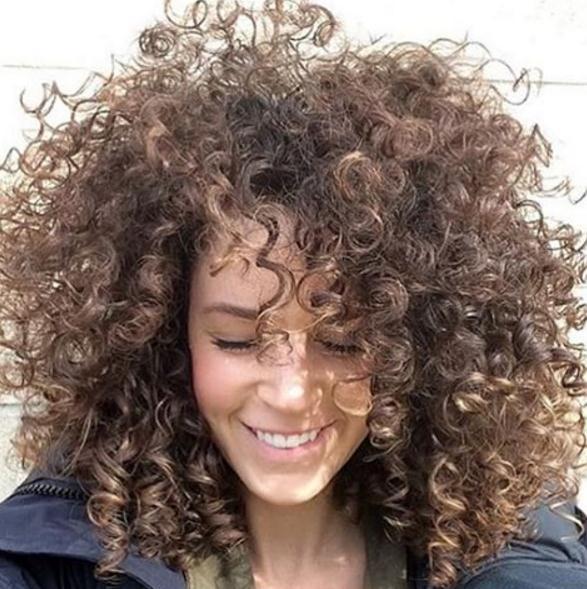 Curly Frisuren für Frauen 14