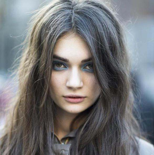 Grey Long Layered Hairstyles For Round Faces