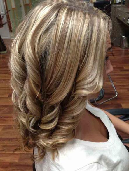 Geschichtete Frisuren und Haarschnitte blonde Haare 2017