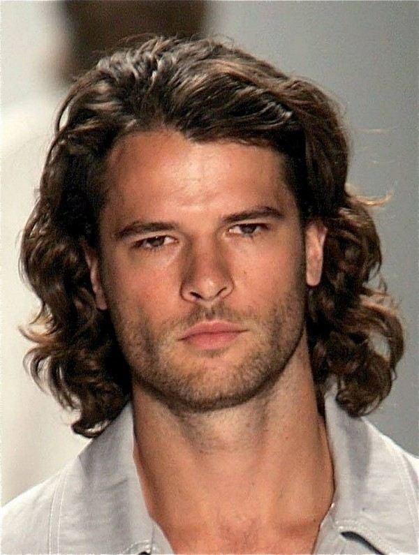Lange lockige Frisuren Männer