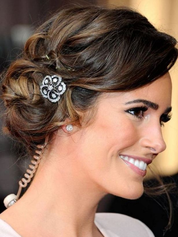 Christmas hairstyles for long hair 2017 black hair with accessory