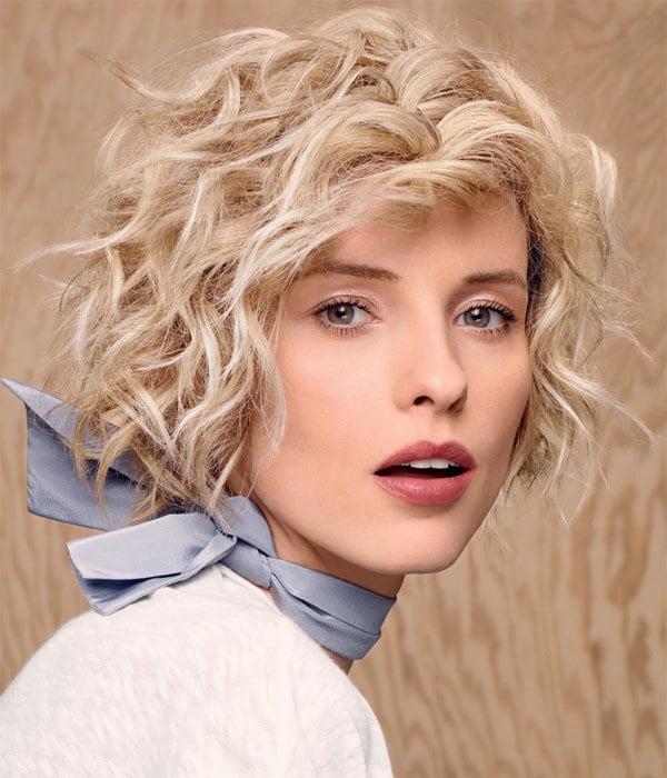 Nette mittlere lockige Frisuren 2016-2017 für Frauen
