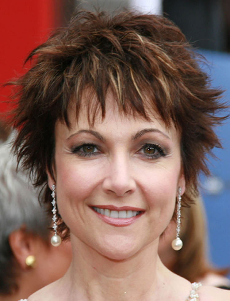 85 Rejuvenating Short Hairstyles For Women Over 40 To 50
