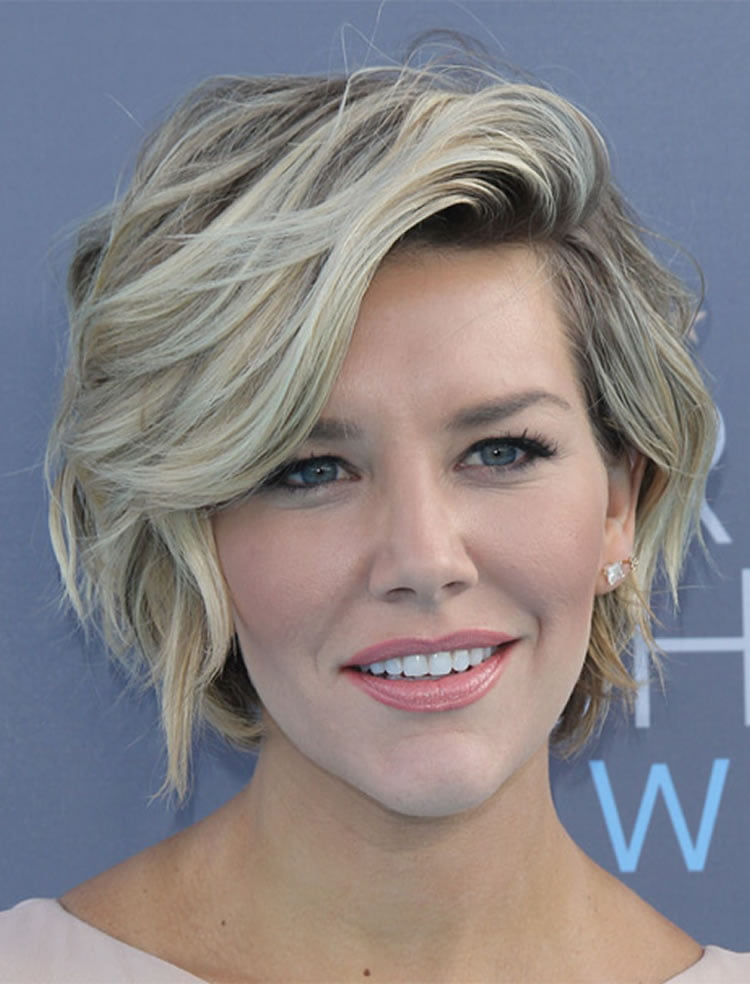 Pretty casual short wavy haircuts for women over 40 – HAIRSTYLES