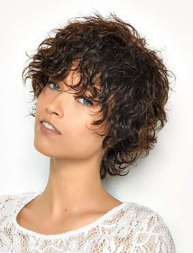 30 Most Magnetizing Short Curly Hairstyles for Women to Try in 2017 ...