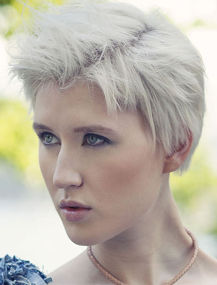 Haircuts Over 40 Pixie Haircuts For Women Over 40 Pixie