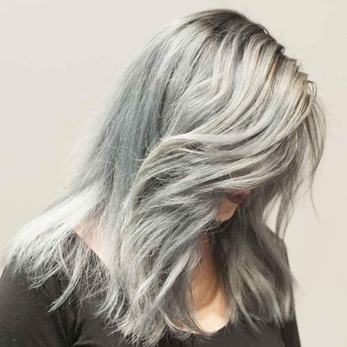 Alluring Long Layered Grey Hairstyles summer 2018-2019 Source