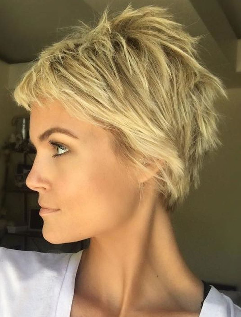 Asymmetric Short Haircuts and Hairstyles for 2017-2018