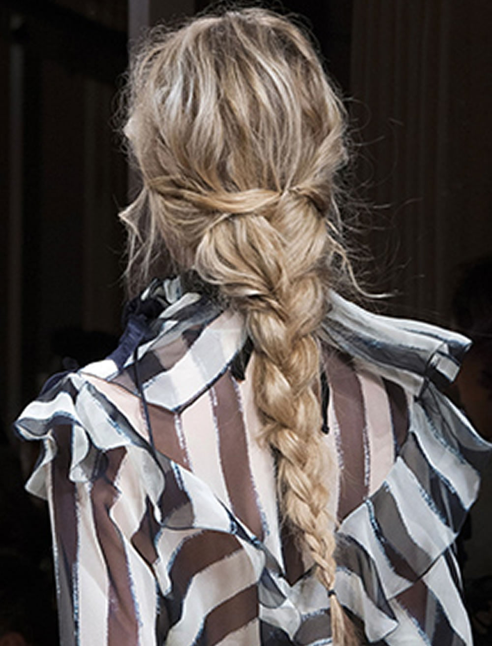 foto 20 Beautiful Fishtail Braided Hairstyles