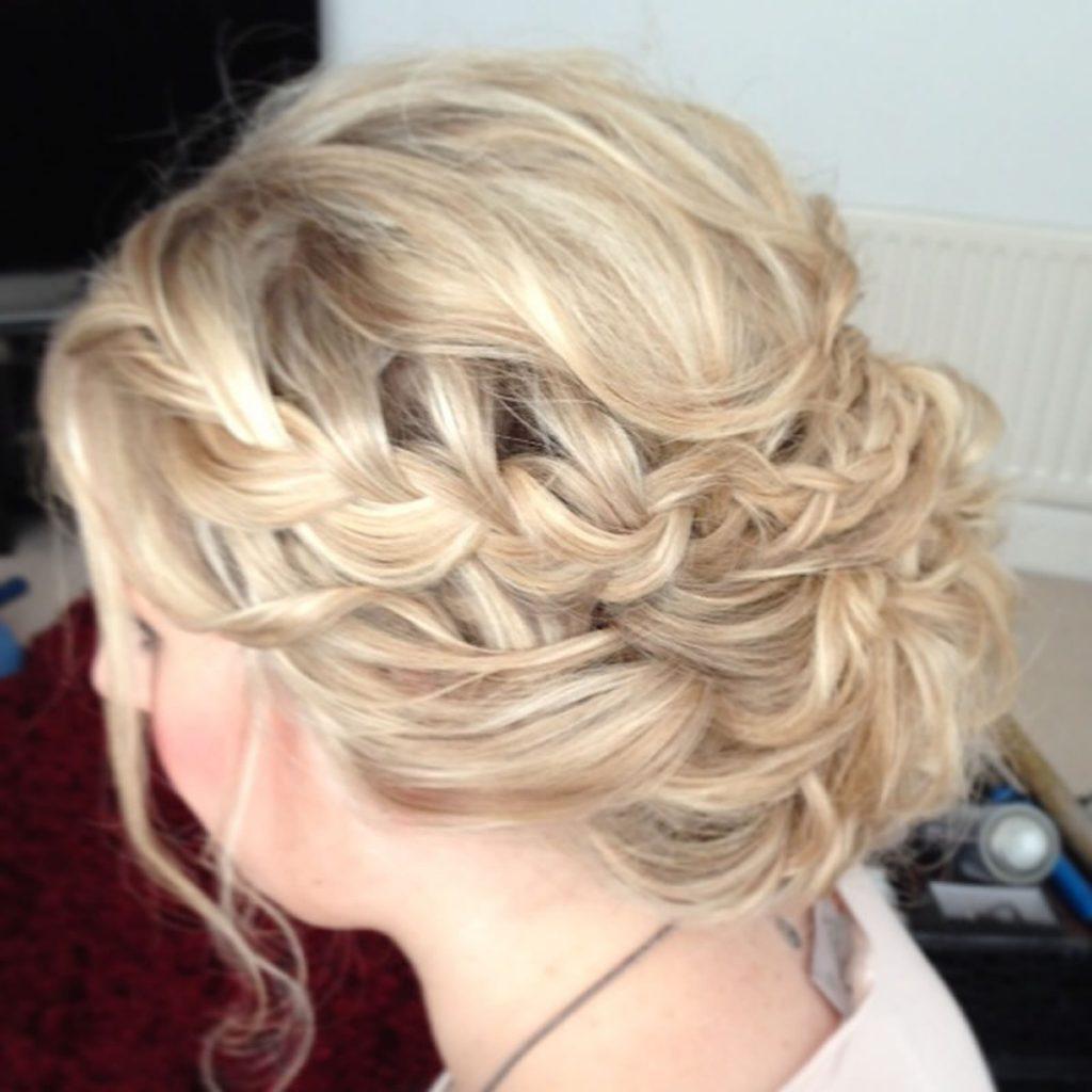Прически коса свадебные на среднюю длину
