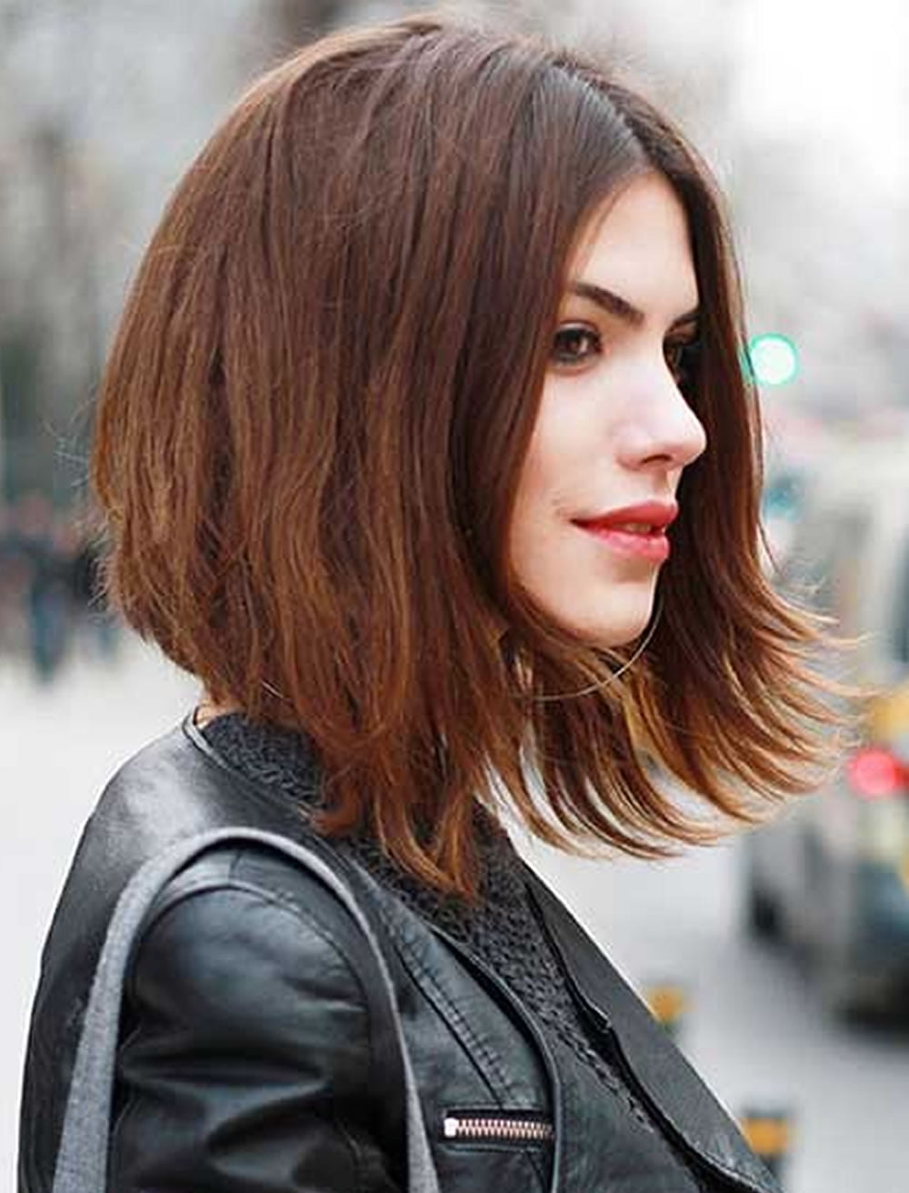 Medium Sleek Bob. Sleek Bob is a new cut in the fashion industry and to be in the top notch in the game wear the sleek Bob in medium length. This bob is trendy and fashionable for women .