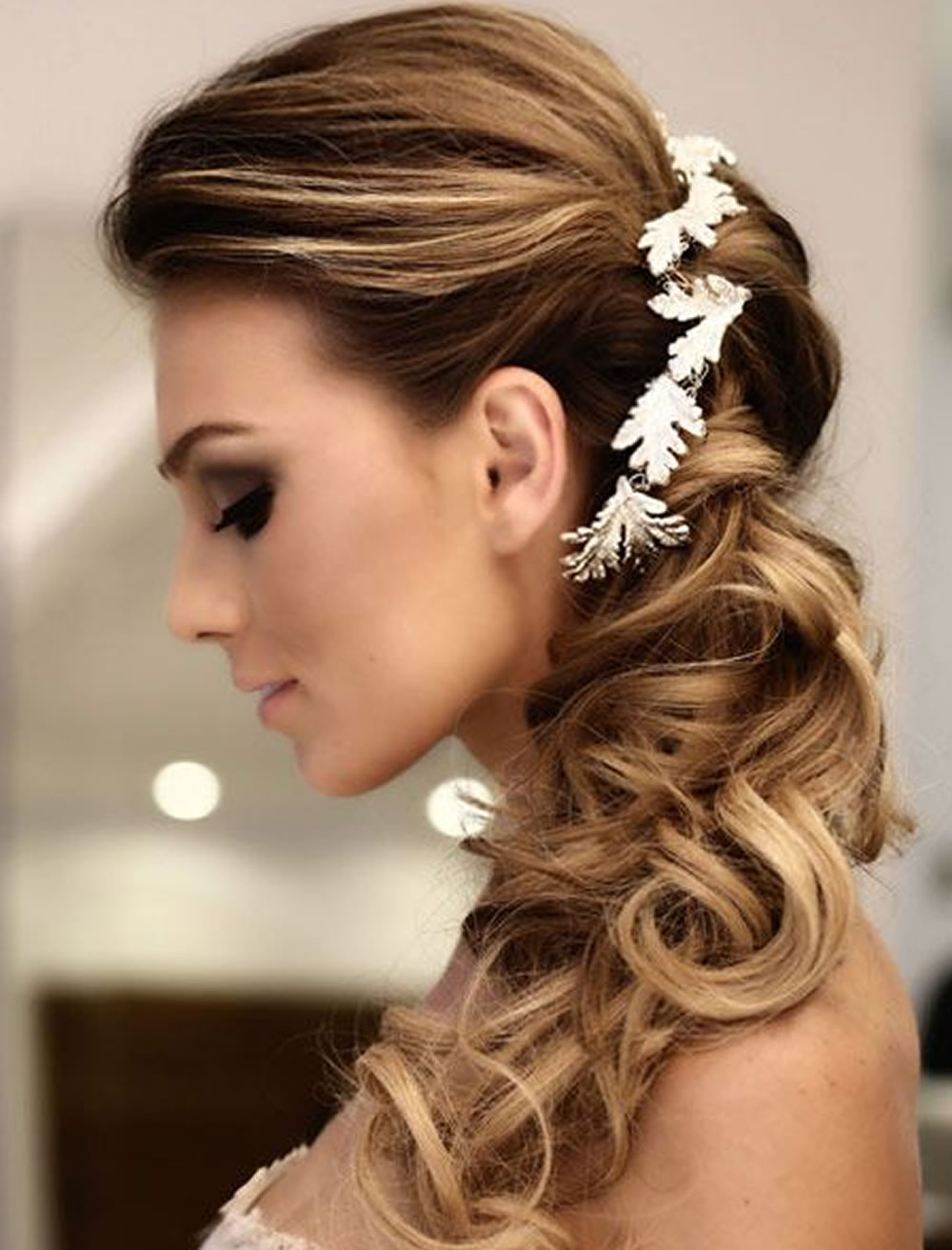 Very stylish wedding hairstyles for long hair 2018 2019 wedding hairstyles for long hair summer 2018 2019 junglespirit Choice Image