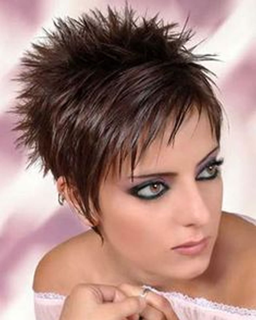 12 Hot Short Hairstyles with Bangs