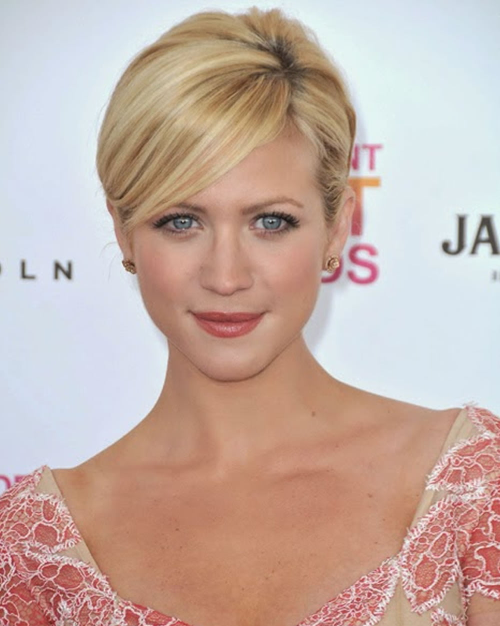 Easy Short Hairstyles And Pixie Hair Cut Images For Women