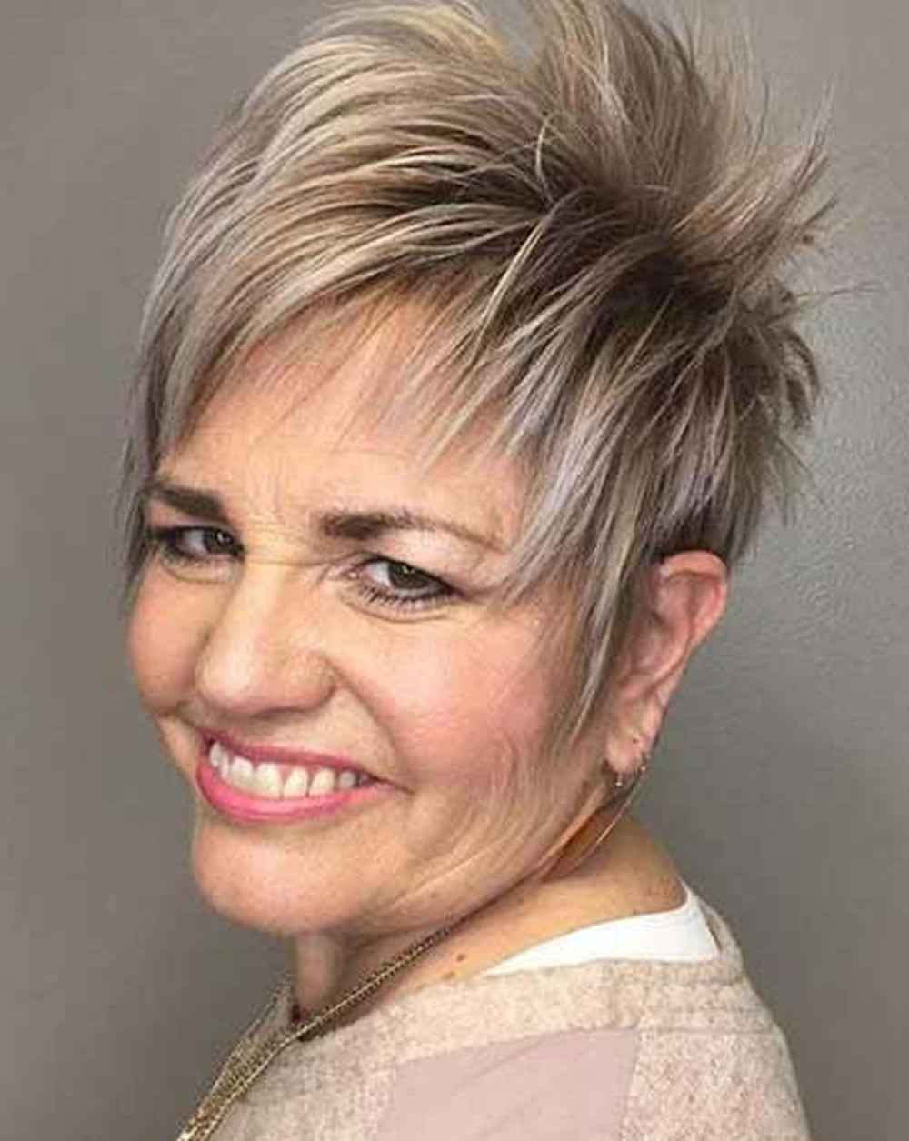 23 Easy Short Hairstyles for Older Women – You Should Try! – HAIRSTYLES
