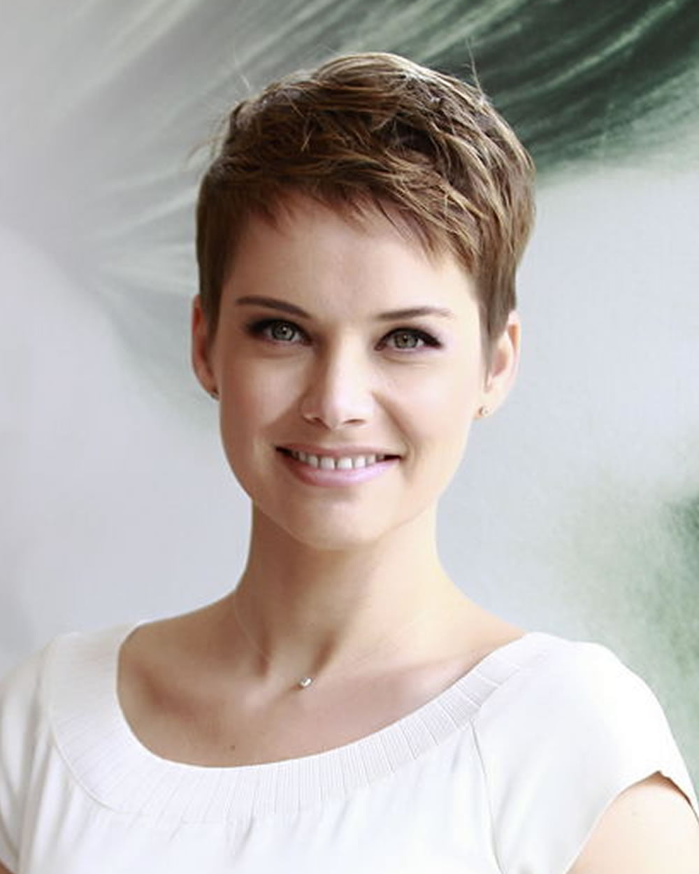 21 Trendy Short Haircut Images and Pixie Hairstyles You'll ... - photo #6