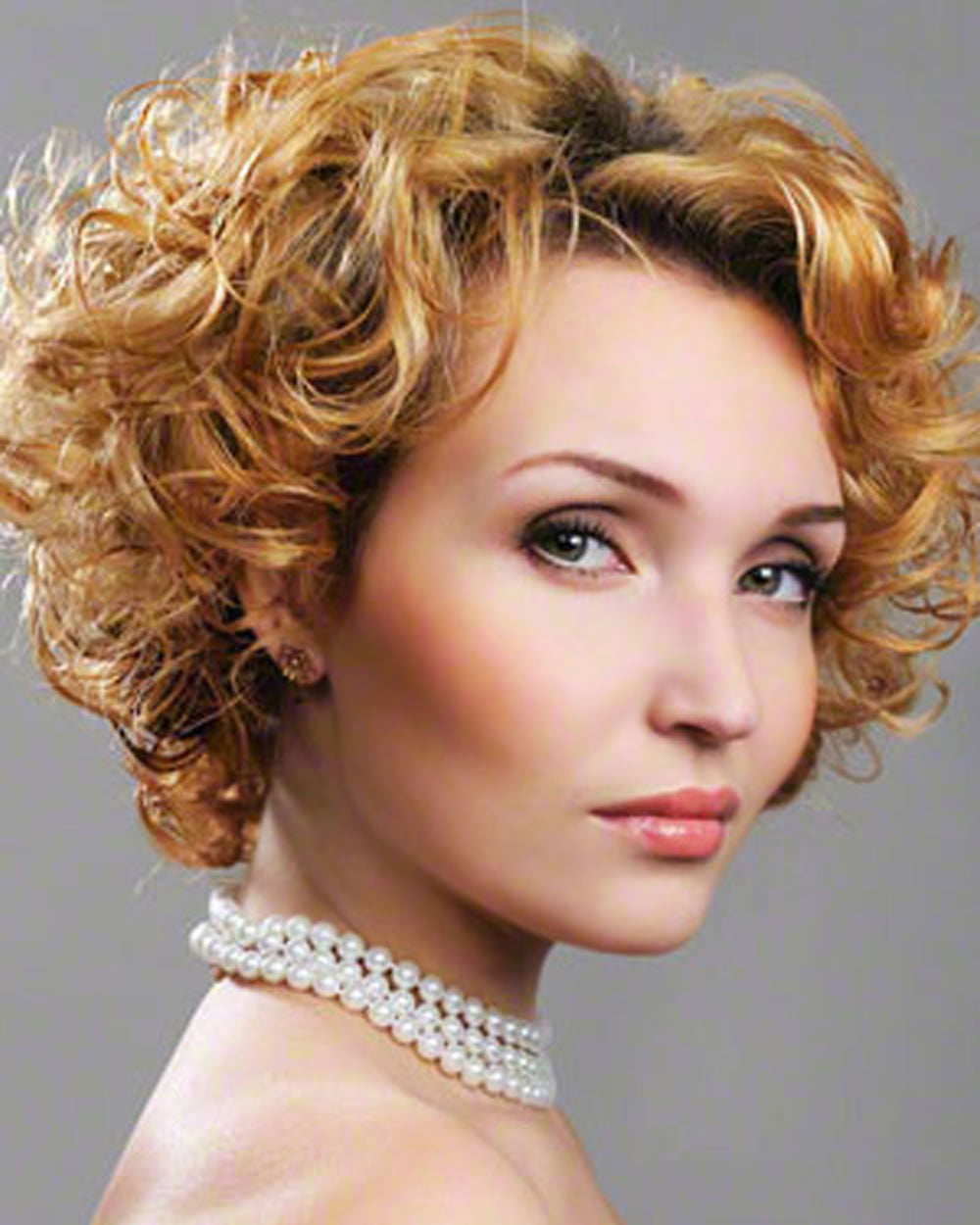 Popular Hairstyles Curly Short Hair Pixie Bob