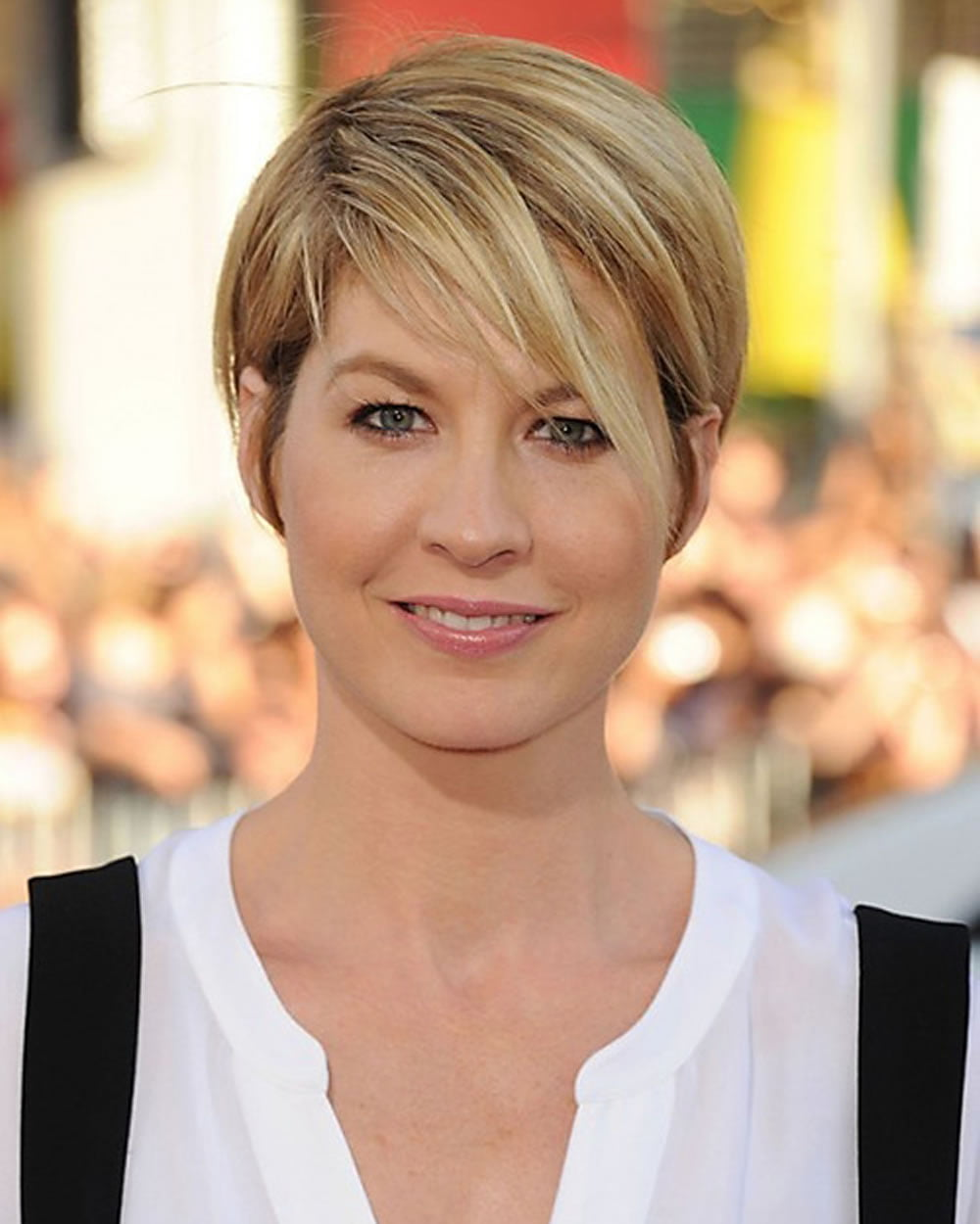 10 Latest Short Haircut for Fine Hair Stylish Short Hair Color Trends