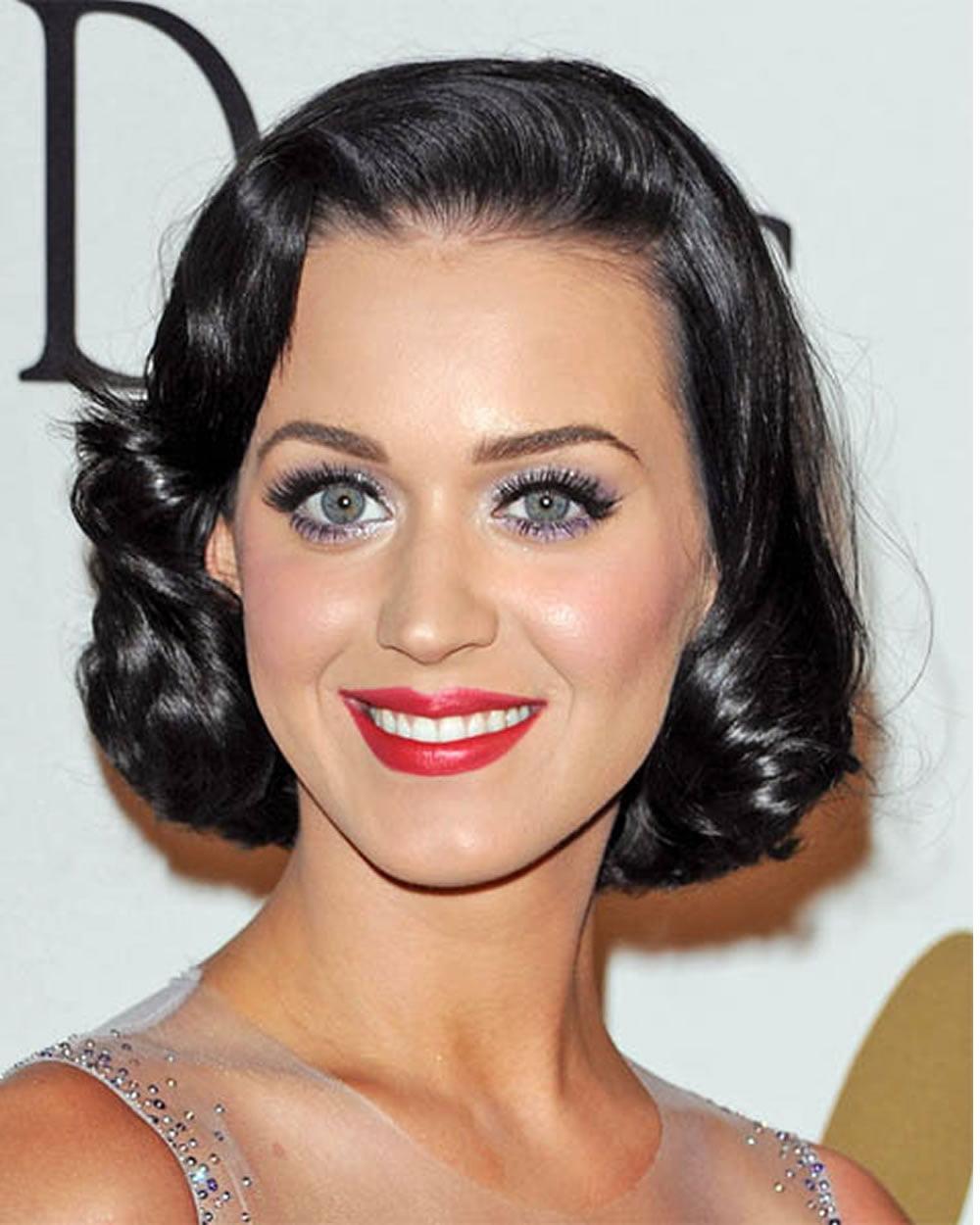 Short haircuts of famous women