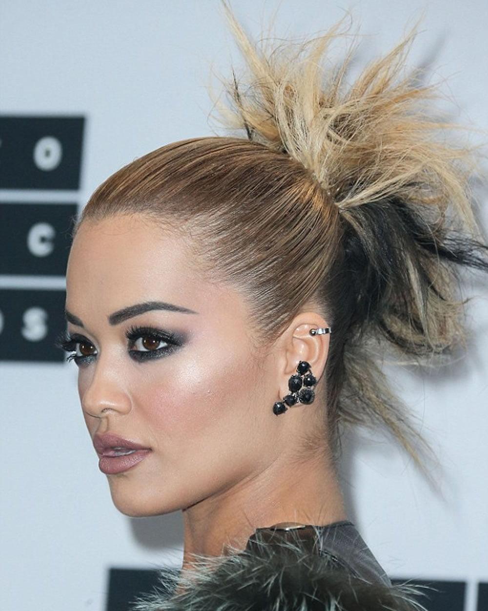 Rita Ora's Short (Pixie + Bob) Hairstyles for 2018