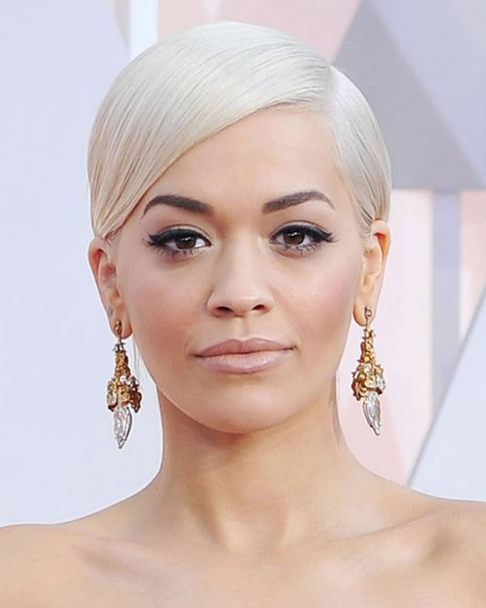 Rita Ora Short Hairstyles Pixie Bob