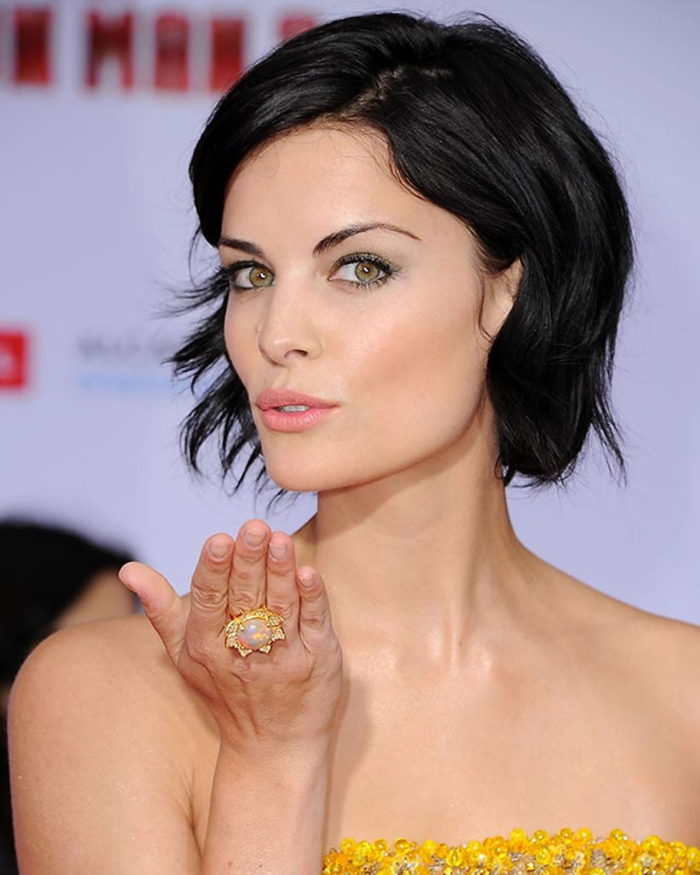 60 Best Short Haircuts of Famous Women – Cool Short ... - photo#10