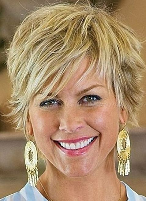 Hairstyles for women over 40 Blonde short hair