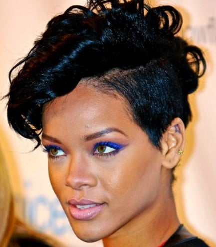 Singer Rihanna Hairstyles 2016-2017 Short Straight Black Hair