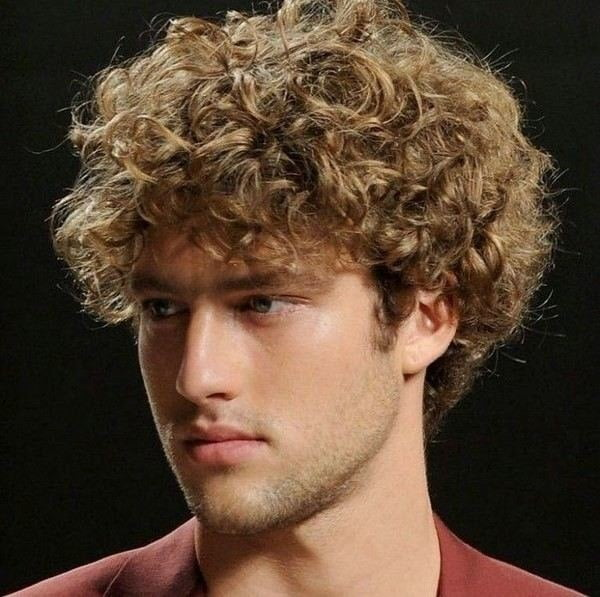 casual-curly-hairstyle-for-men – HAIRSTYLES