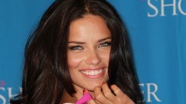 Adriana Lima Black Medium hair 2017