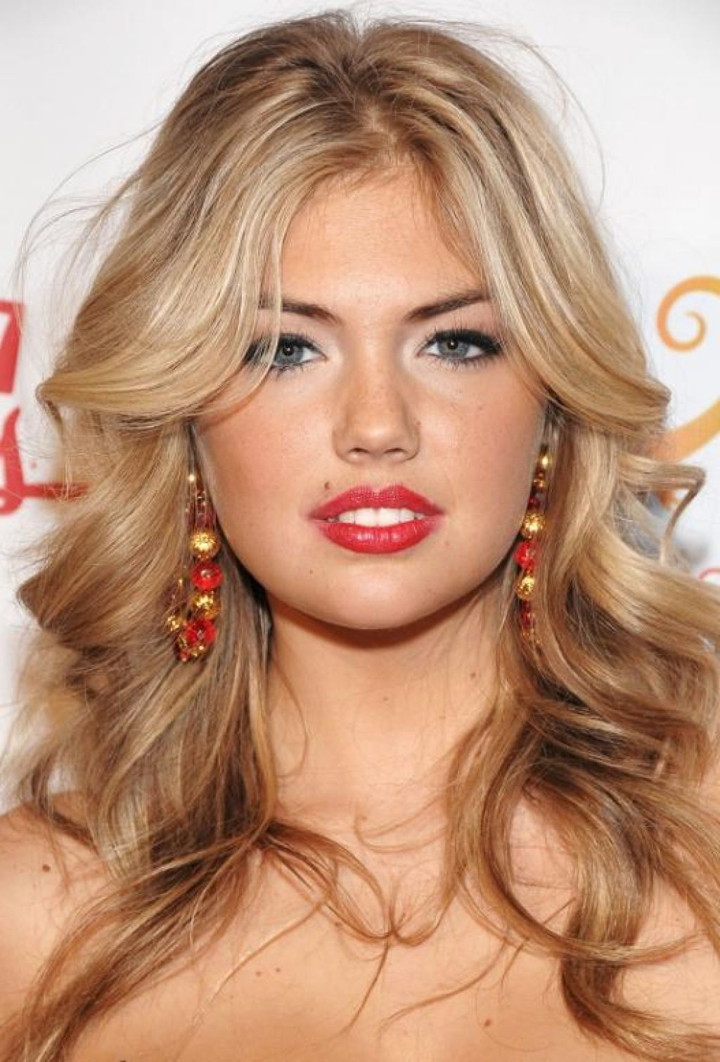 Incredible Messy Long Hairstyles For Women Round faces Blonde hair