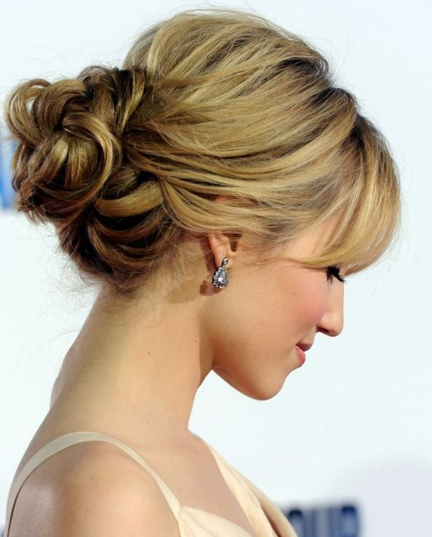 Spectacular Cute Bun Hairstyles for Blonde Women