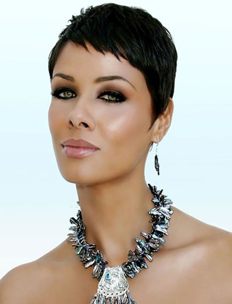 Black women Pixie cut