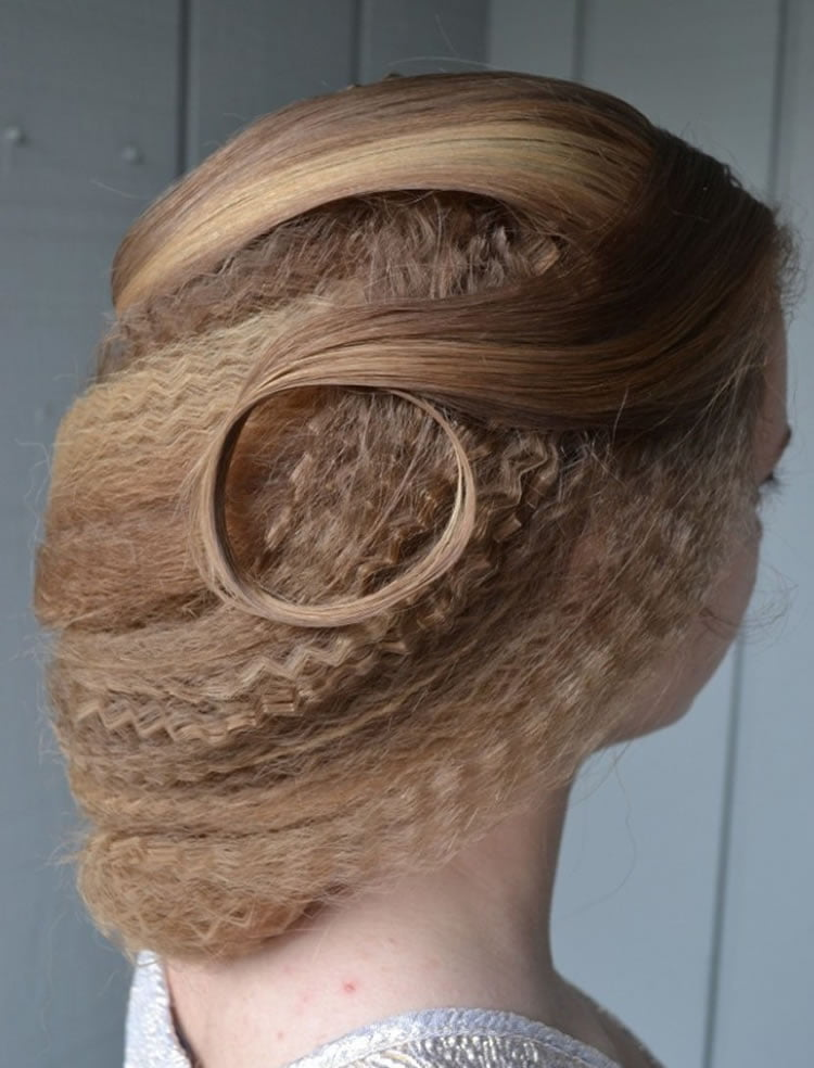 Exquisite crimped hairstyles for buns hair