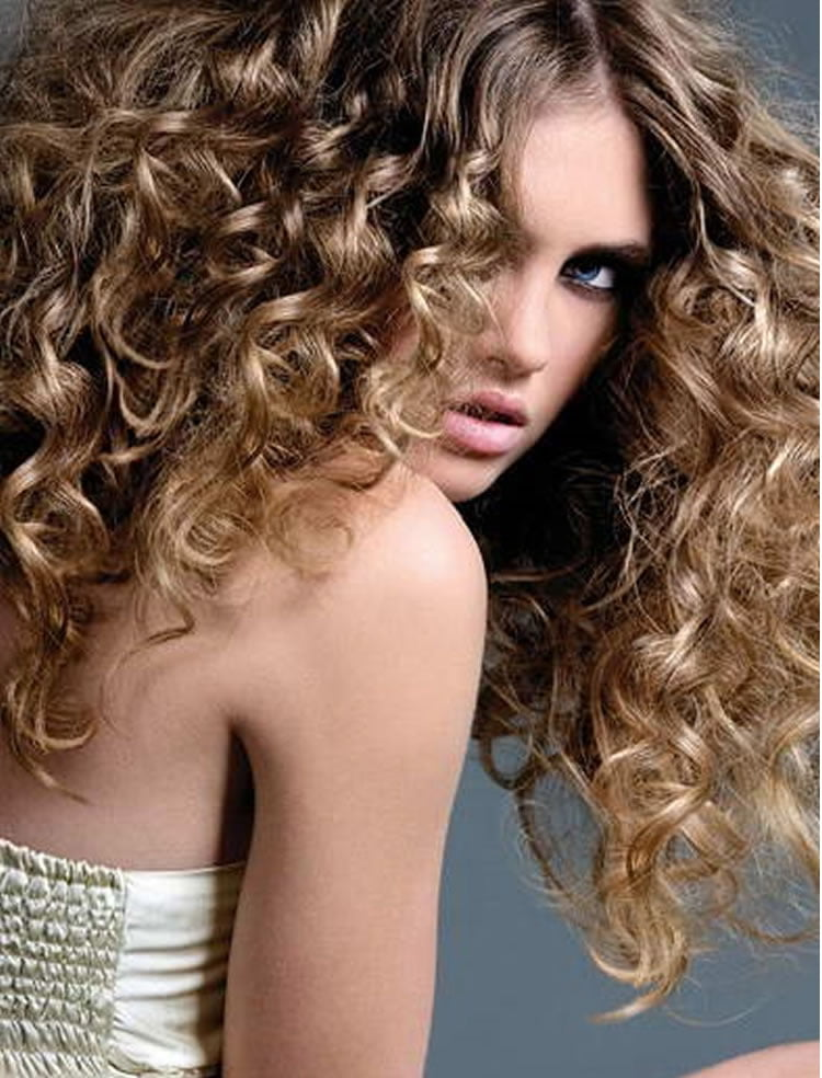 style for curly hair 32 excellent perm hairstyles for medium hair 2778