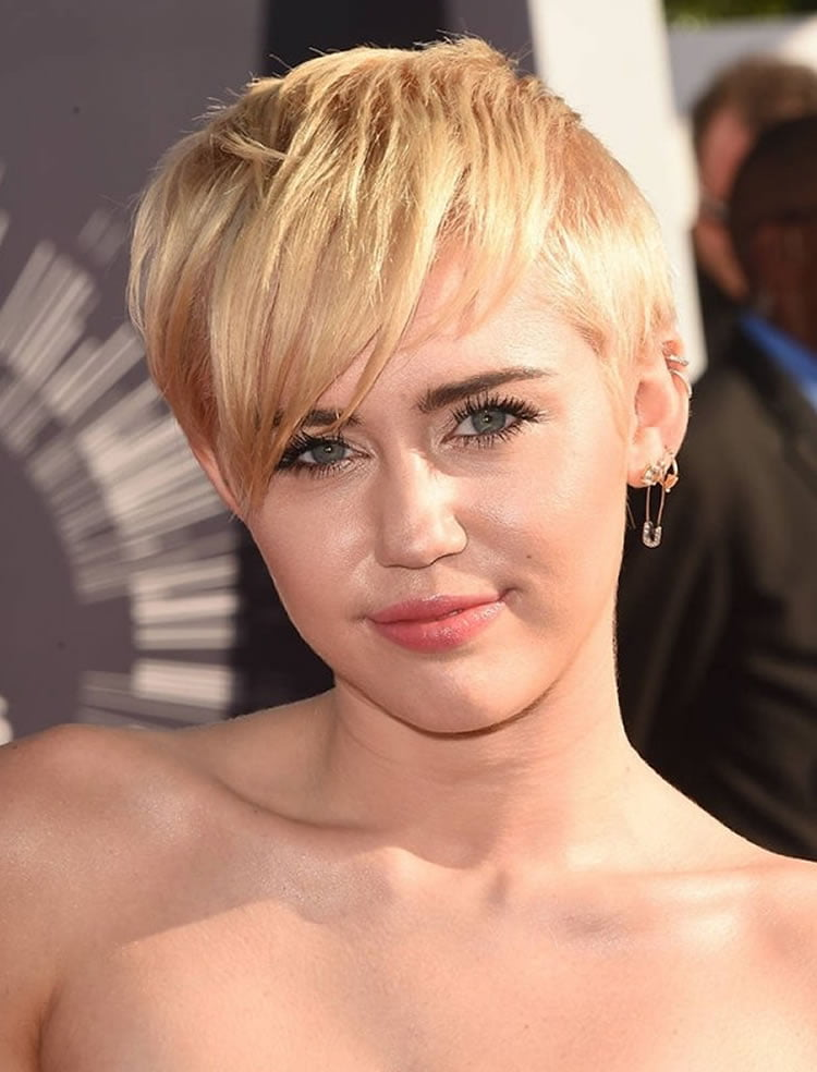 Pixie cut for blonde women round faces