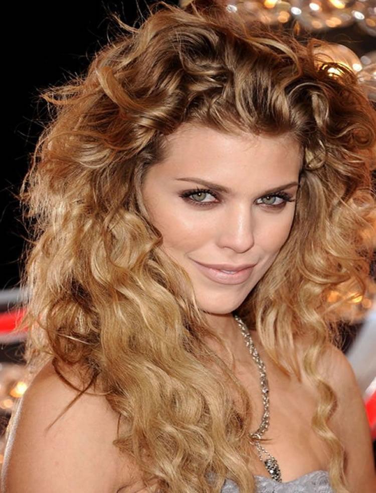 Wavy perm hair for blonde women 2017