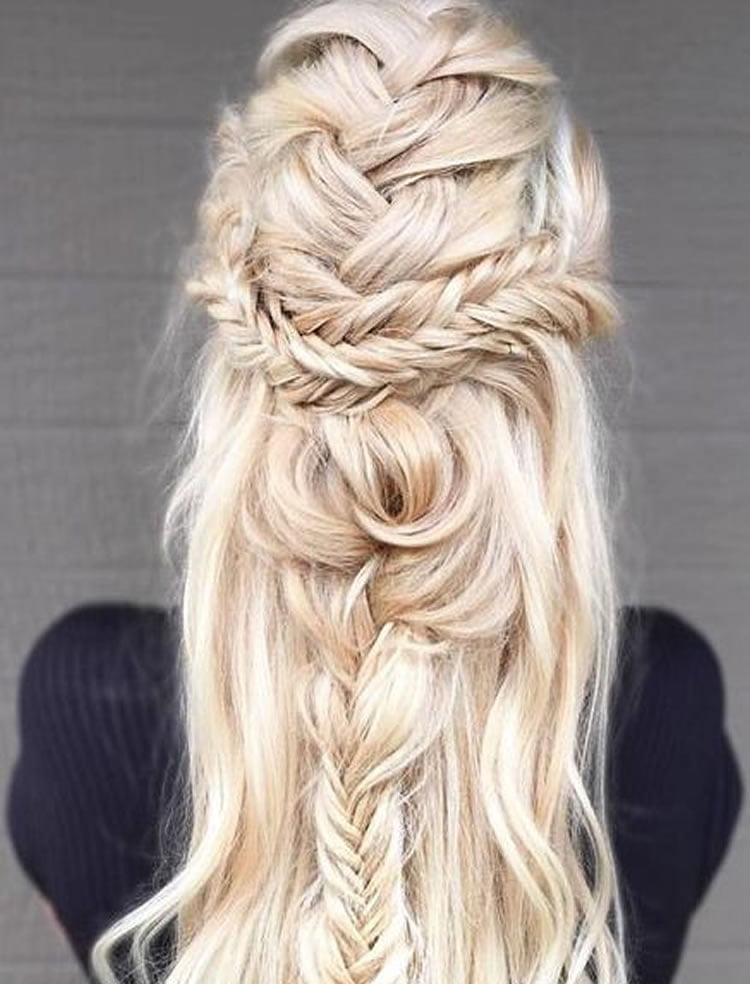 Beautiful Blonde Hair Styles for Long Hair Colors