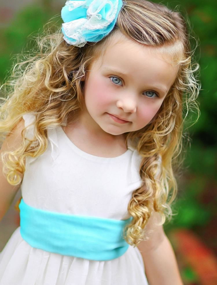 Perfect long Wavy hairstyles for Little Girls