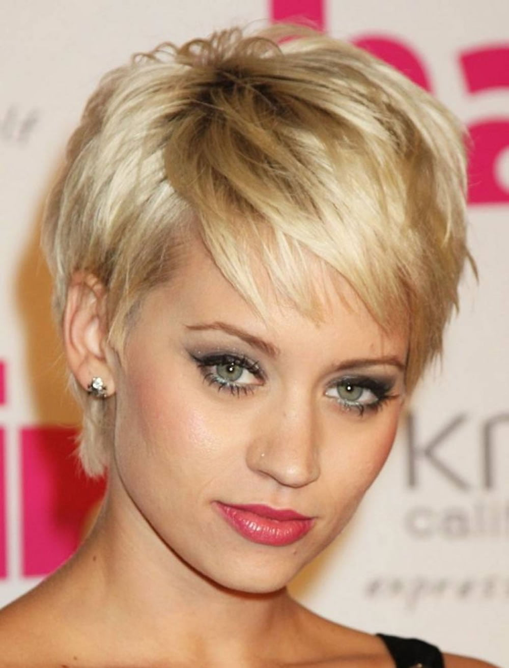 Pixie hairstyles for Women