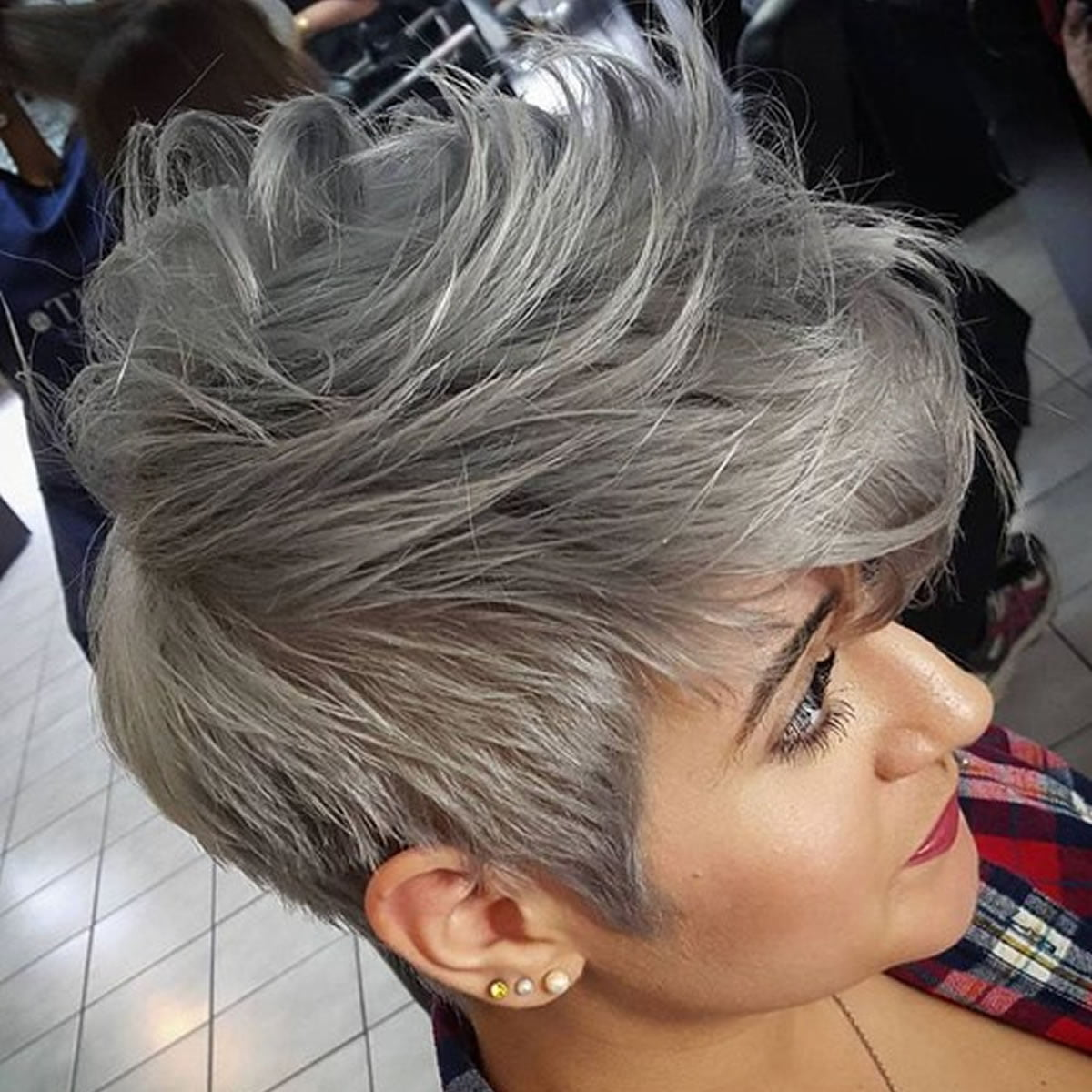 grey hair trend – 20 glamorous hairstyles for women 2018 – page 3