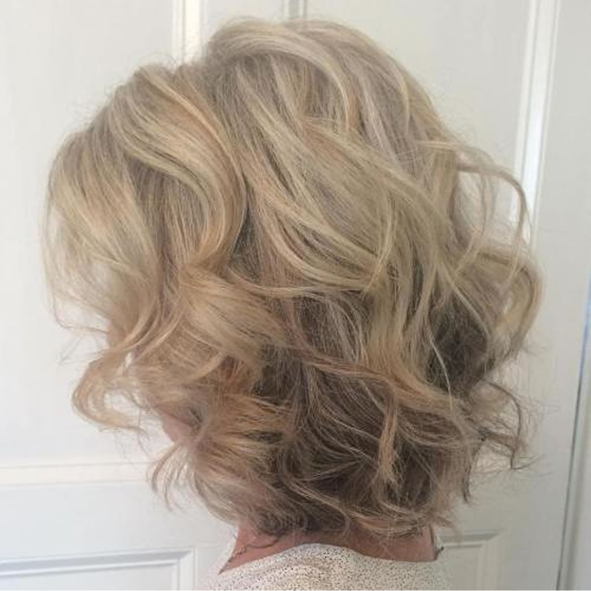 great haircuts for thinning hair 20 medium lenght hairstyles for thin hair ideas 6327 | Curly blonde medium lenght hairstyles for thin hair 2018