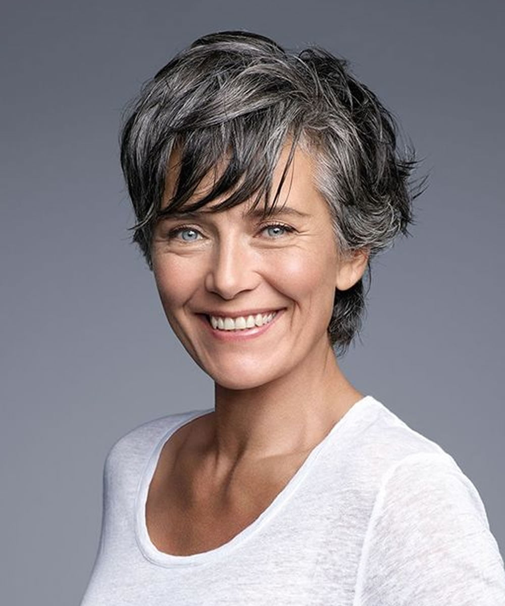 Best Short Haircuts for Older Women Over 50