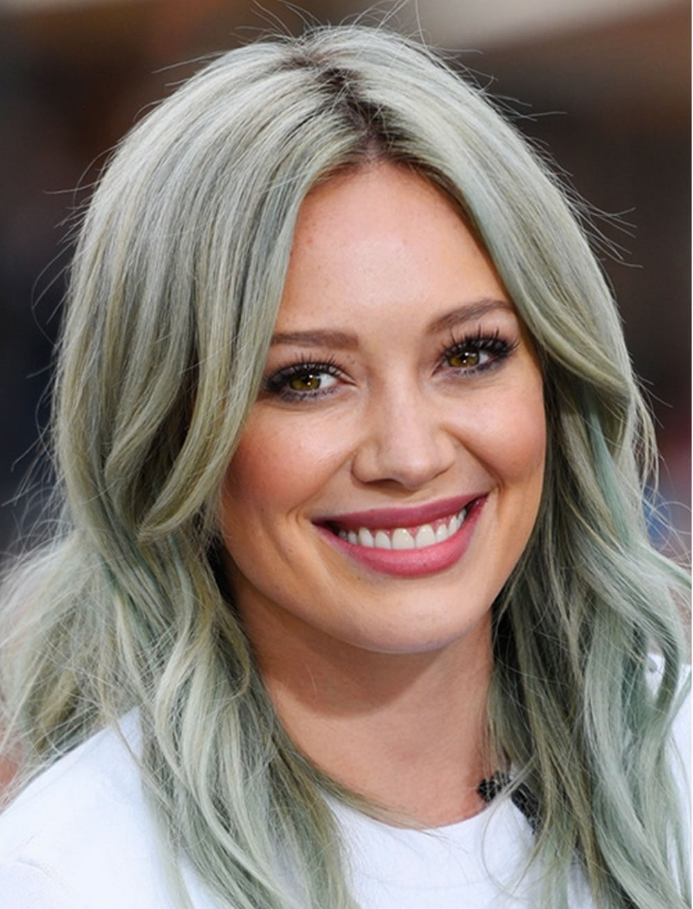 17 Best Medium Hairstyles For Women 2020 2021 Page 3