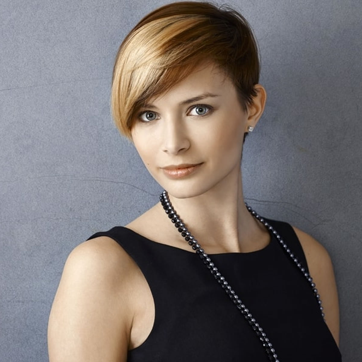 Hairstyles For Woman: Pixie Haircuts For Business Women