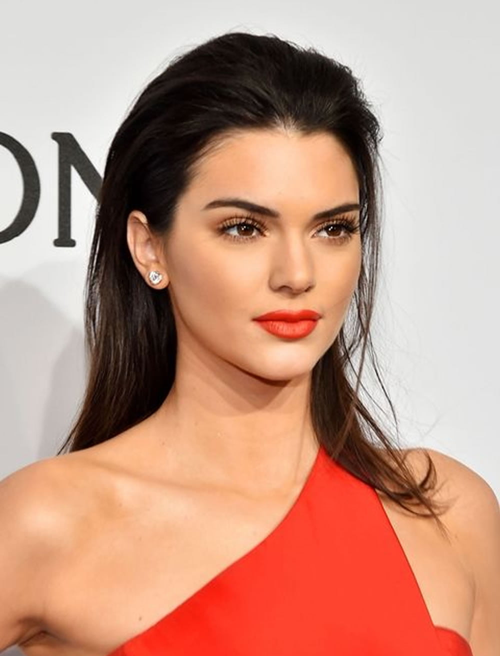 Kendall Jenner S Hairstyles Amp Haircuts For 2018 Best 20