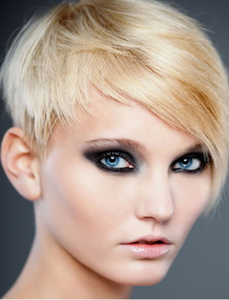 Trendy Short Pixie Haircuts for Women 2018 2019 3