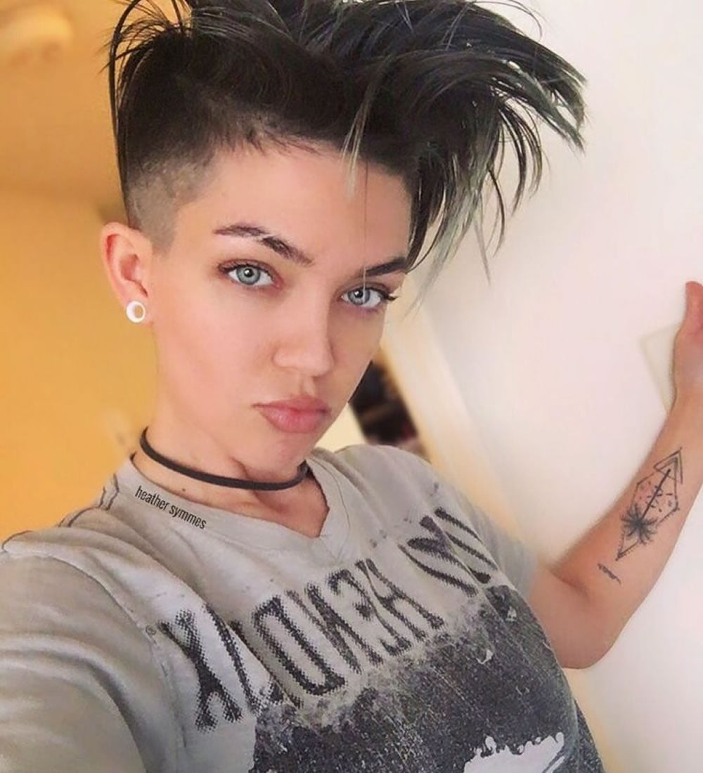 2018 Undercut Short Bob Hairstyles And Haircuts For Women Page 4