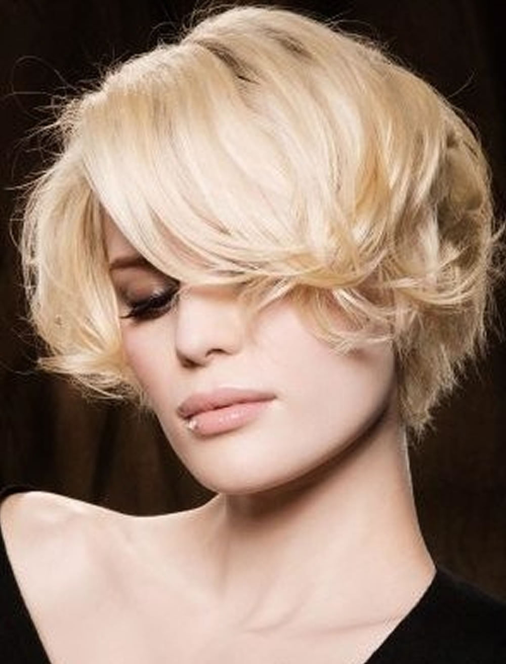 2018 Short Haircut Trends and Hair Colors for Female ...