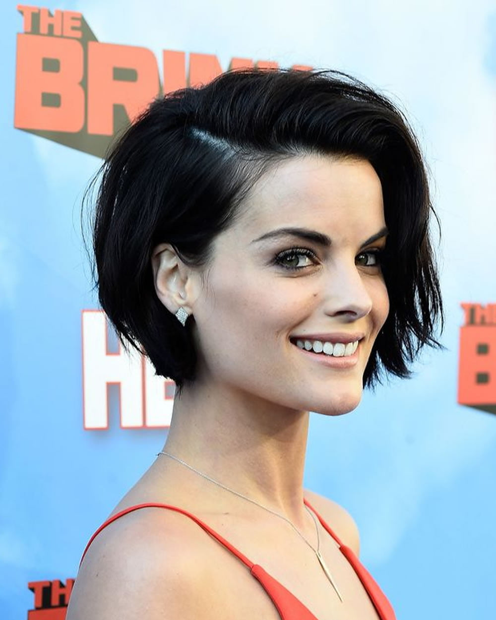 Short Hairstyles: Short Haircuts And Make-up Preferences For 2018-2019
